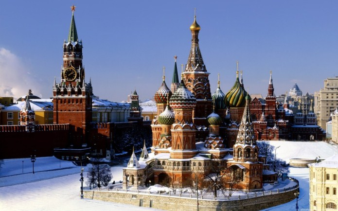 2416-moscow-red-square-in-winter-1024x640