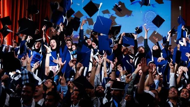 ظرفیت دانشگاهها متناسب با نیاز بازار کار کاهش یابد