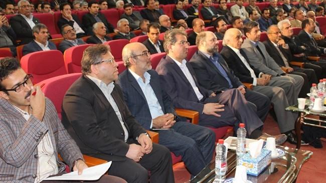 سیاستگذاران و دولتمردان برای رفع مشکلات صنایع برنامهریزی کنند