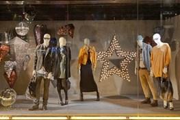 تنوع و ارزانی پوشاک خارجی نسبت به تولیدات داخلی عامل تمایل مصرفکنندهها برای خرید است
