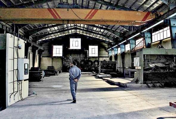 خم شدن کمر تولید و بنگاه های اقتصادی زیر بار مشکلات