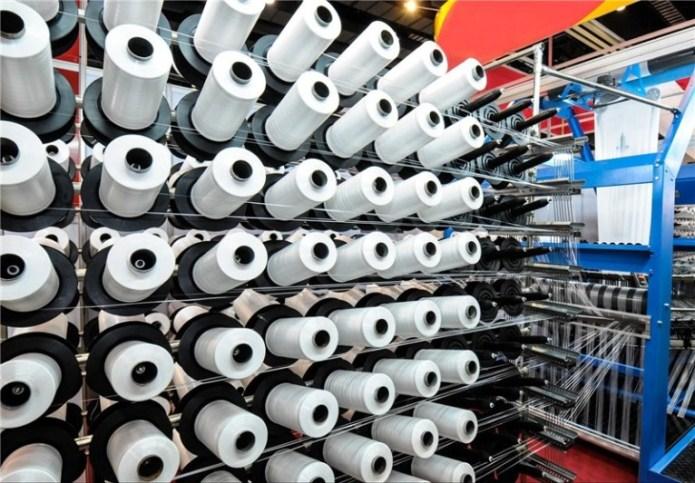حدود2/2 میلیارد دلار کالا از شهرک های صنعتی صادر شد