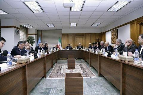 جزییات جلسه سه ساعته همتی با صادرکنندگان