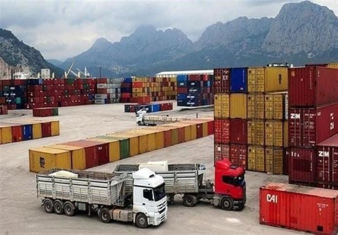 ترانزیت کالاهای گروه چهارم ثبت سفارش شده به مناطق آزاد آزاد شد